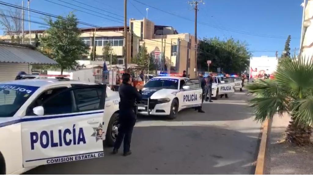 Policías Viales aplauden al personal médico del Estado que lucha contra COVID-19