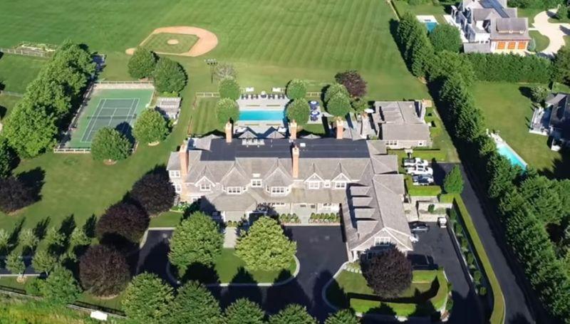 Para huir de la epidemia de NY, un magnate rentó en 2 millones de dólares una mansión en los Hamptons
