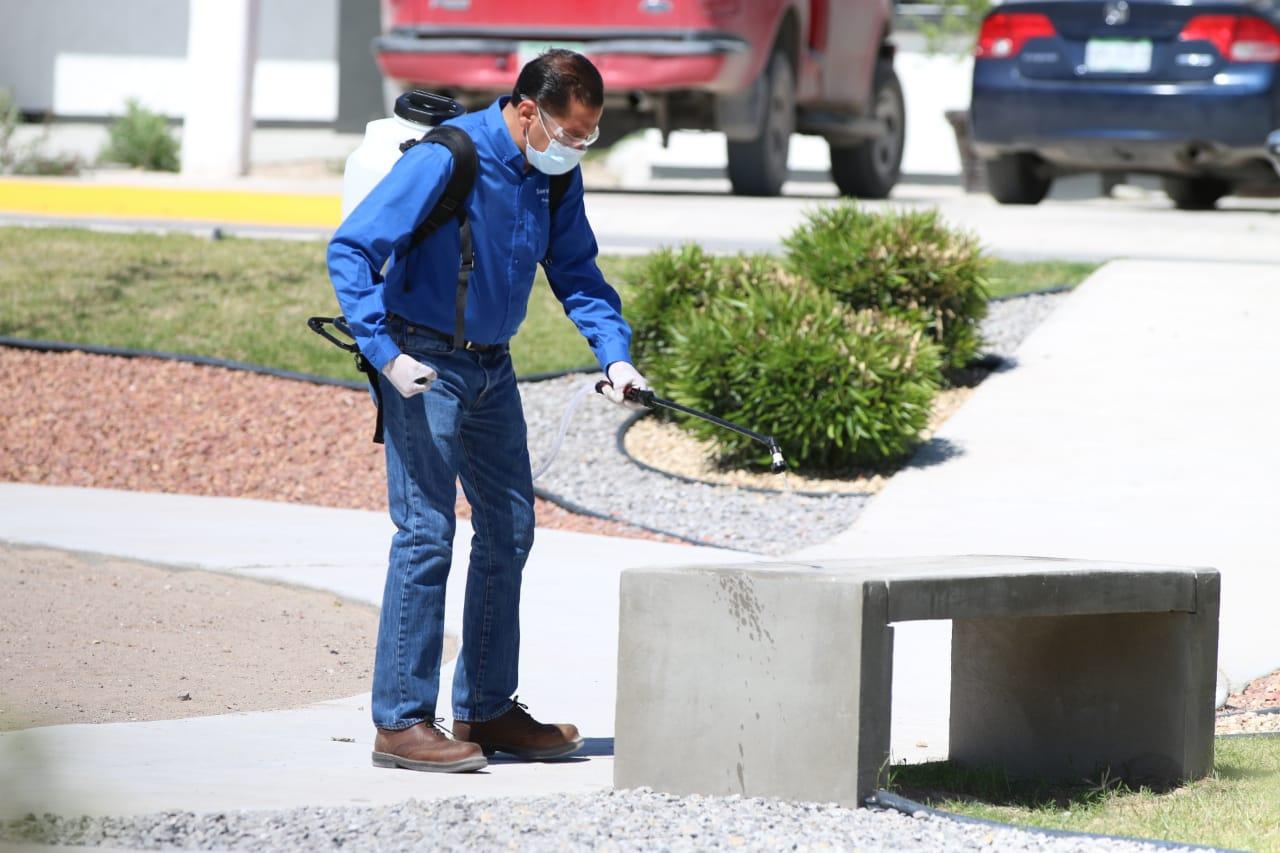 Se han sanitizado 74 parques con apoyo de personal de centros de verificación vehicular: Dirección de Ecología