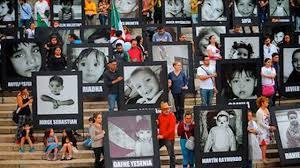 Hacen vigilia en memoria de los niños fallecidos en la Guardería ABC