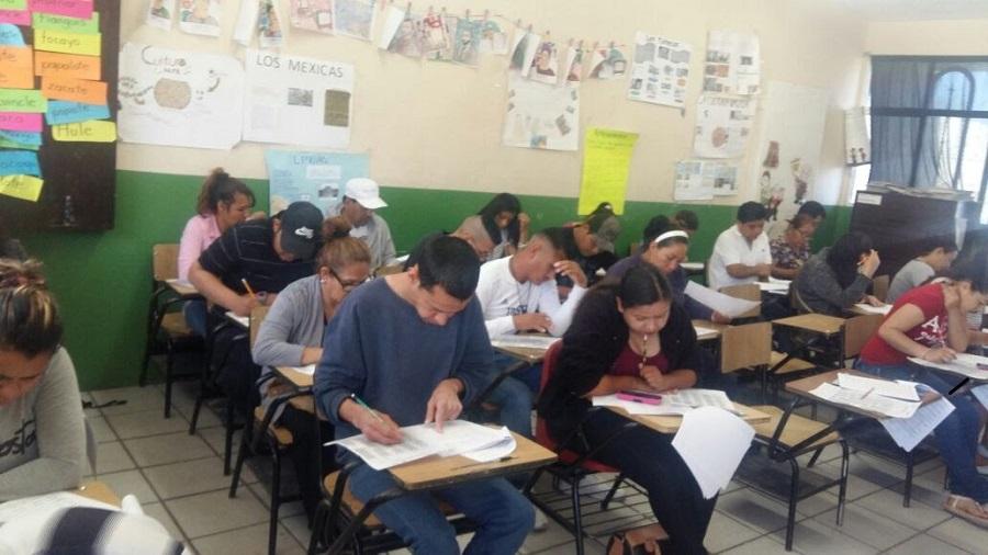 Invitan a inscribirse en escuelas Cedex de educación para adultos