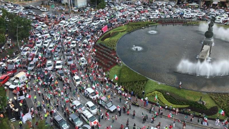En Caravana se vuelven a manifestar :  Exigen salida de López Obrador
