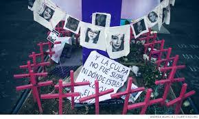 Familias de victimas de feminicidio mantienen plantón en el Zócalo