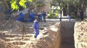 Habilitan mas tumbas en Bolivia tras quejas por haber muertos acumulados en Casa