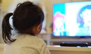 Juez ordena dar televisión a niña para tomar clases en San Luis Potosí