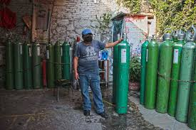 Oxigeno agotado o se vende a precios inaccesibles en la Ciudad de México